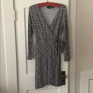 Geometric pattern wrap dress